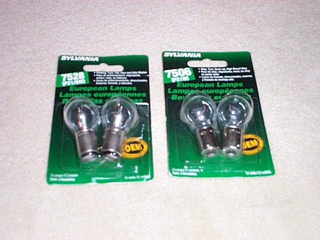 ... Bulbs But They Said I Needed 7528 Which Has The Two Electrical  Contacts. I Happen To Find A Pic Of Both On The Net.
