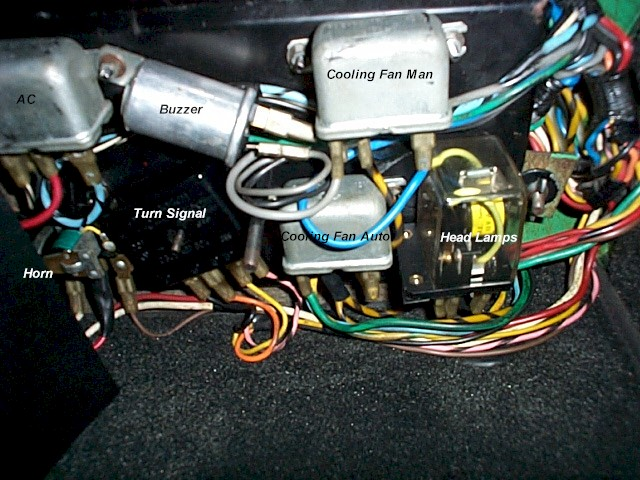 electrical diagrams Bass Cat Pantera Wiring 94 pantera relays 1971 main jpg (115991 bytes)